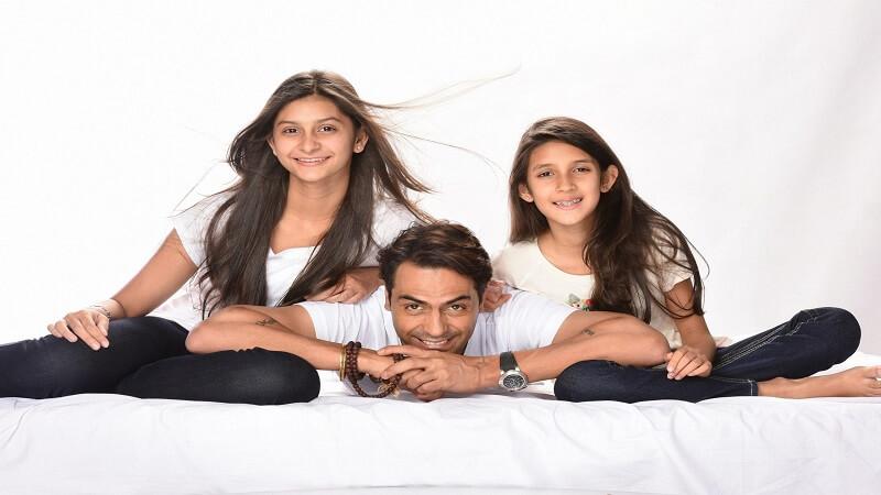 Arjun-Rampal-daughters-G-scaled